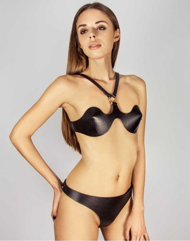 Sculpted Demi Halter Bra Black